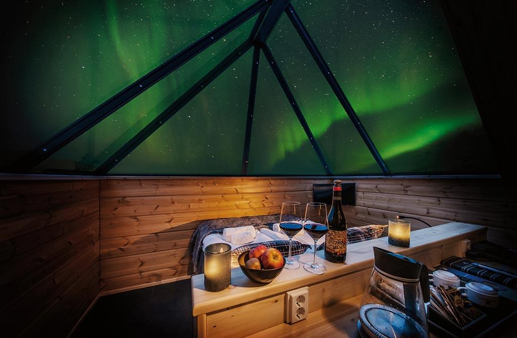 aurora-glass-cabin-mobile